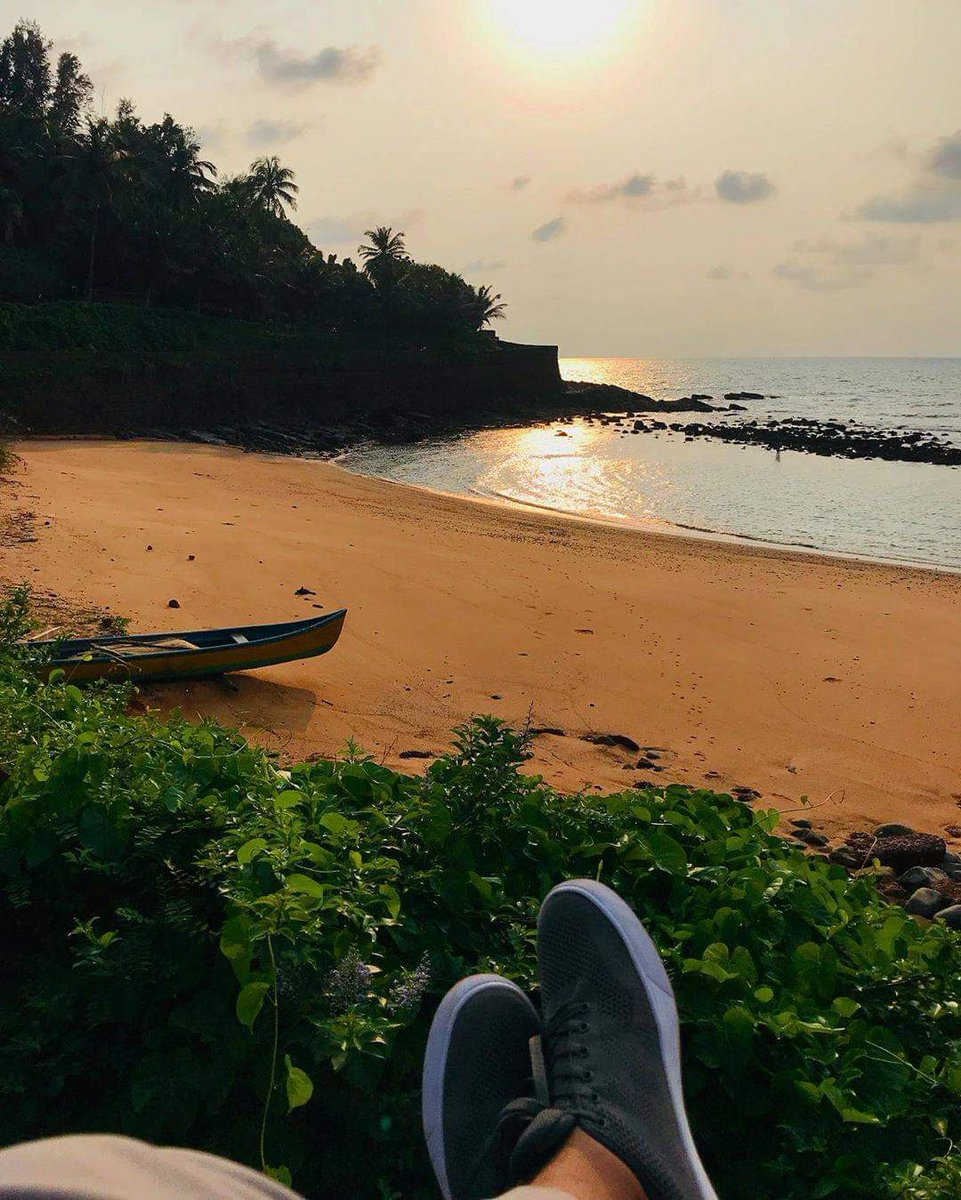 Salt & Sand  cc: @amey_datte  Follow us @goacoworking . . . . . . #sinquerim #india #goacoworking #indian #gramslayers #travel #earth #view #travelphotography #travelgram #goa #гоа #beautifulgoa #goabeach #goadiaries #exploreindia #indianblogger #beachpic.twitter.com/4cStiqPXE4