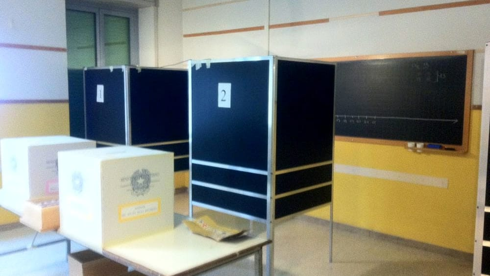 Niente seggi elettorali nelle scuole: respinta la ...