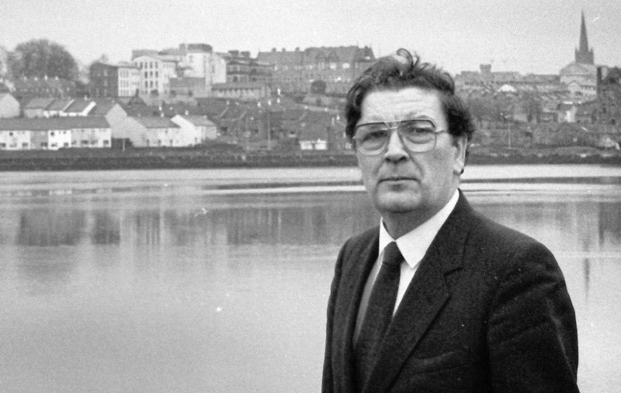John Hume has died. Ireland, all of us, should bow our heads in respect & thanks. What an extraordinary man, peacemaker, politican, leader, civil rights campaigner, family man, Derryman, inspiration. May he rest peacefully & his legacy live on. Sincere sympathy with Pat & family.