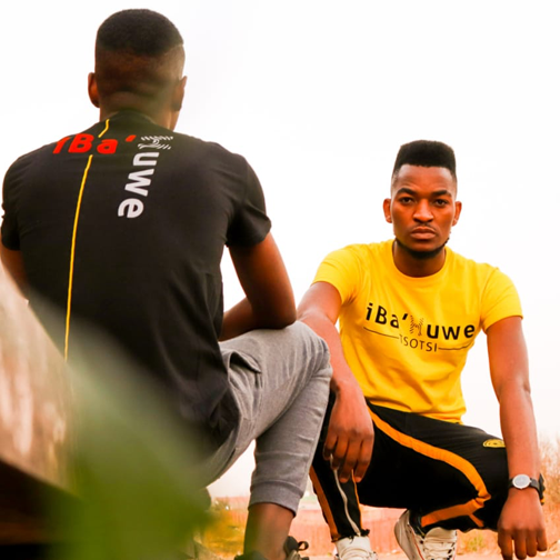 A new approach to street capture #iBa'Huwe Tsotsi. Join the iBa'Huwe gang today simply order your piece today. #ibahuwe #MondayMotivation  #believeinyourself #beyourself #befree #nofear  #tsotsipic.twitter.com/WQTAX3u5ch
