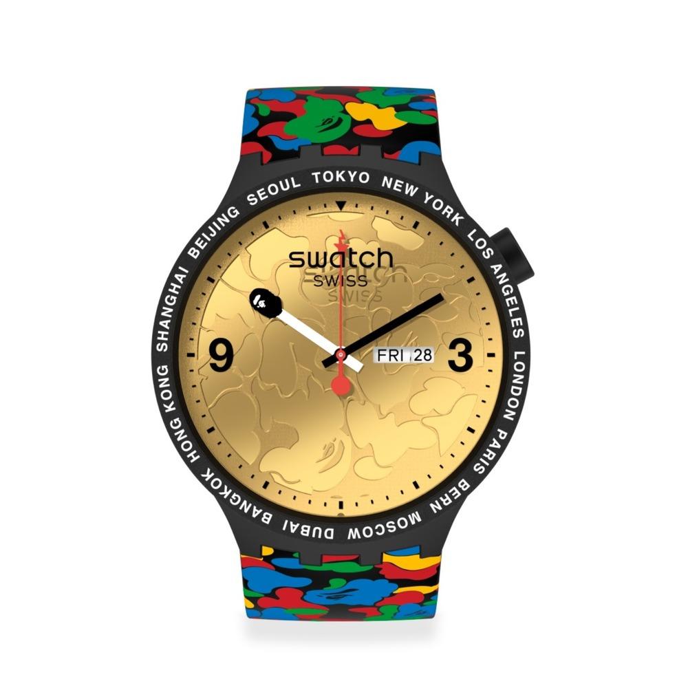 スウォッチ×ベイプのコラボ腕時計、金・銀・銅の文字盤&カモ柄ベルト -