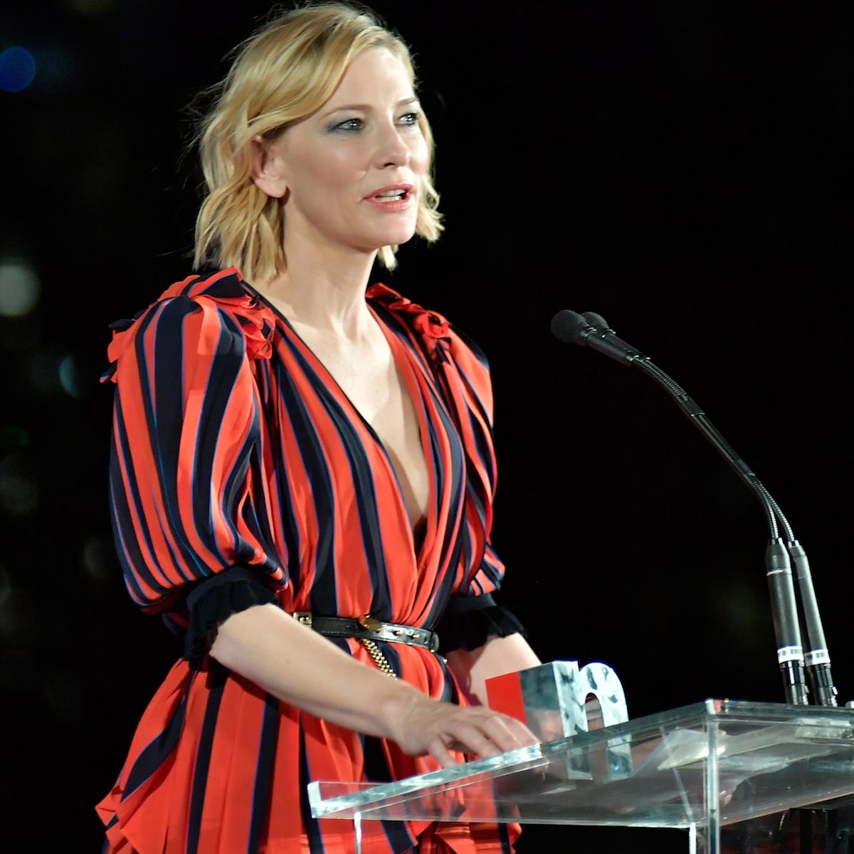 Cate Blanchett to Men: 'We All Like to Look Sexy, But It Doesn't Mean We Want to Fuck You' #CateBlanchett 😏💕 https://t.co/dU3b64gztM