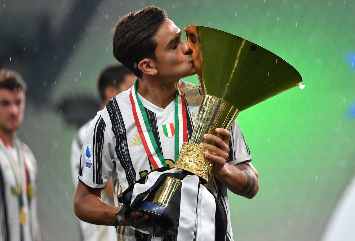 Various papers report hat theres good news for Juventus: Paulo Dybala is much better and is recovering from his injury quickly. After solo training yesterday, hes expected to return to the group tomorrow. Theres optimism for him being in the team against Lyon in the CL.