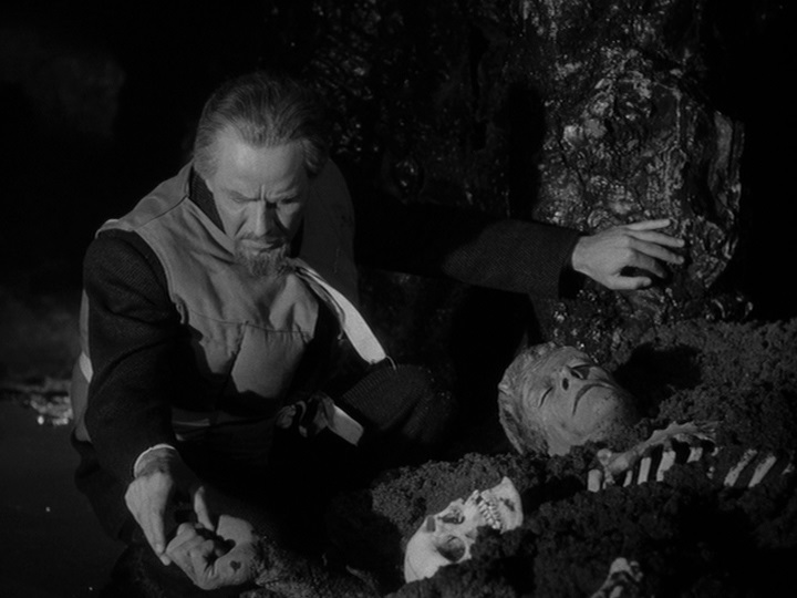"""Kim Newman on Twitter: """"More from Your Daily Dracula - John Carradine,  House of Dracula (1945).… """""""