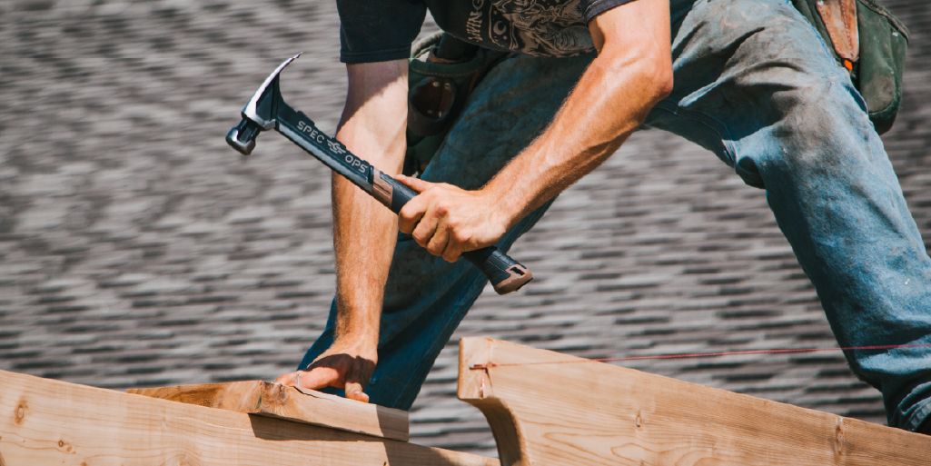 With an aerodynamic, high-carbon steel head that's 25% lighter and ballistically balanced design, this hammer provides sniper-controlled swings at maximum velocity, and brute, unadulterated striking power that puts old-school, heavy hammers to shame.  #hammers #hammertime #tools https://t.co/dn1GCShVvX