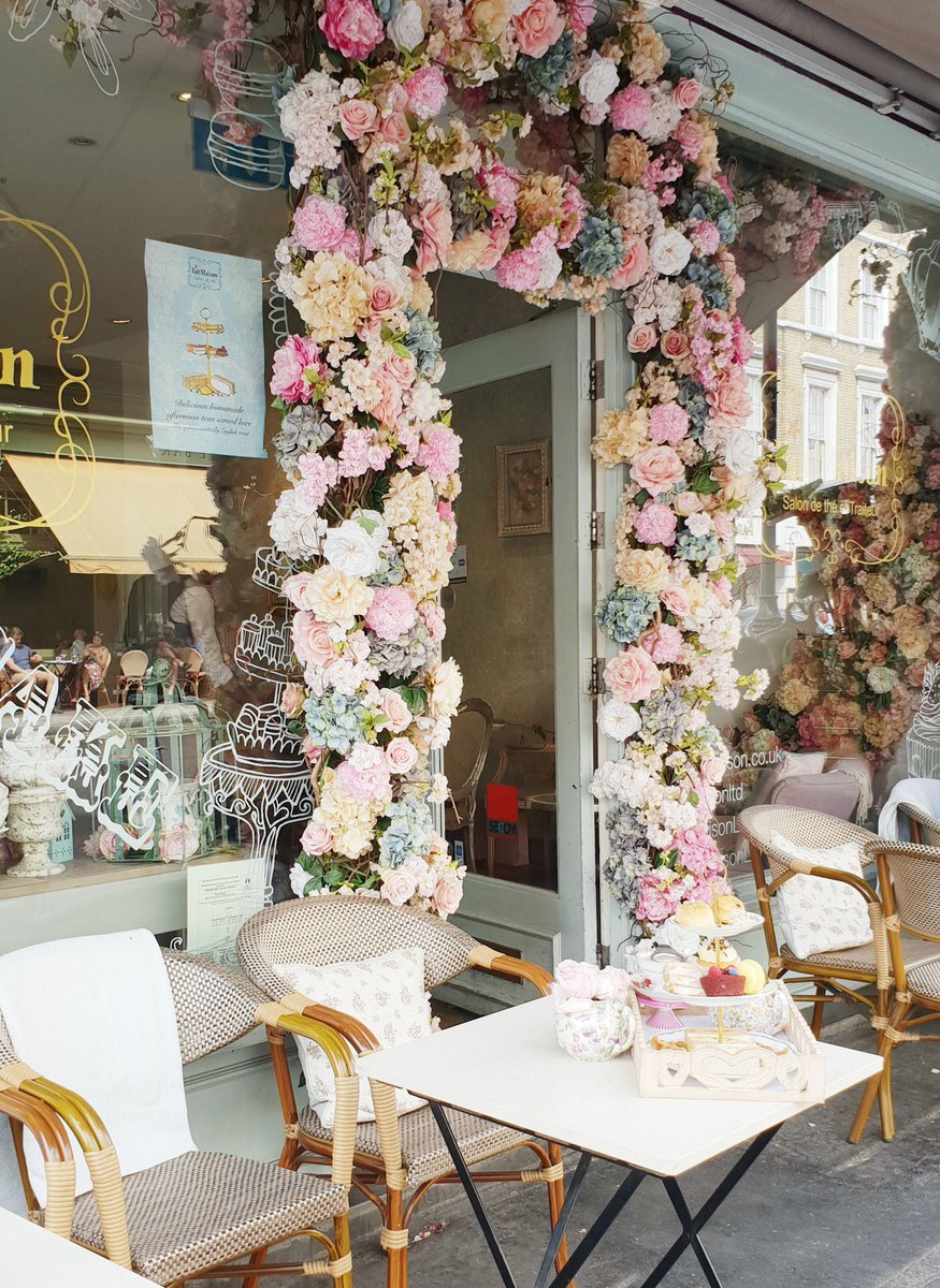 Pronounced O Wo Sa On Twitter Fait Maison Super Cute Outdoor Seating Eat Out To Help Out No Spend 15 30 Bonus Good Choice For A Breakfast Spot 15 For Breakfast Dishes Https T Co Gnny8ut828