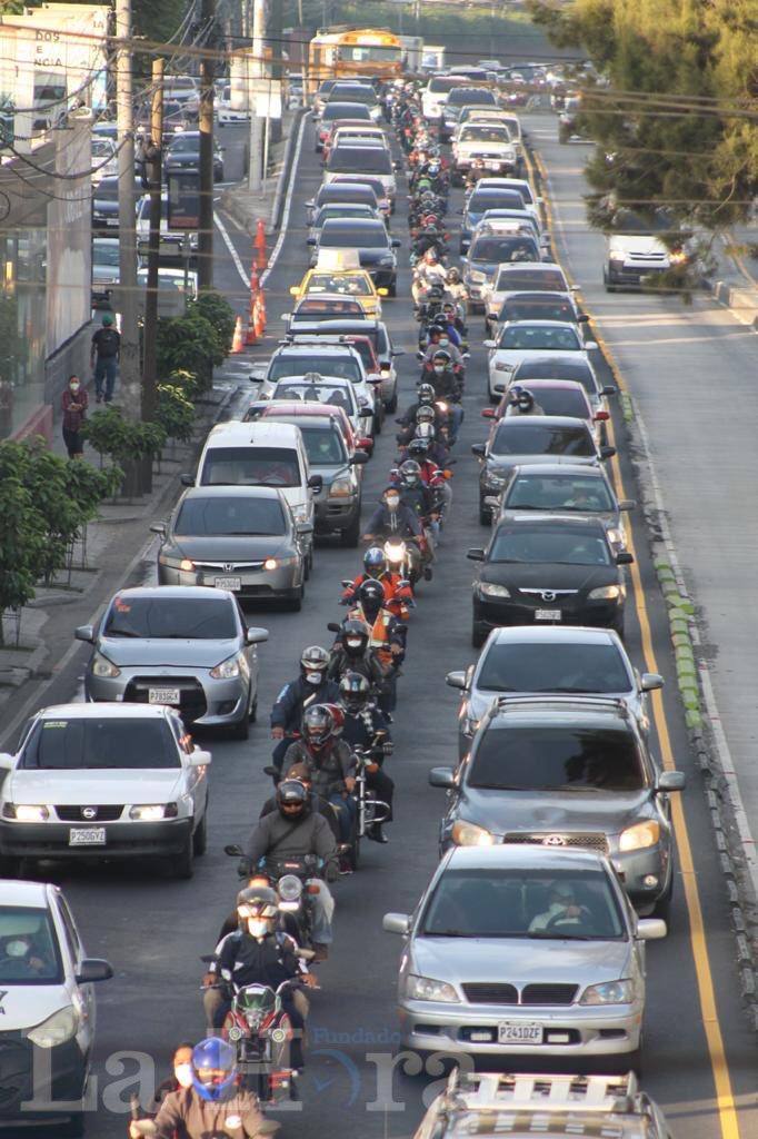 test Twitter Media - Esta mañana se puede observar un fuerte movimiento vehicular por las principales vías de ingreso a la ciudad capital.📸: José Orozco/LH https://t.co/xLP9HJfRDU