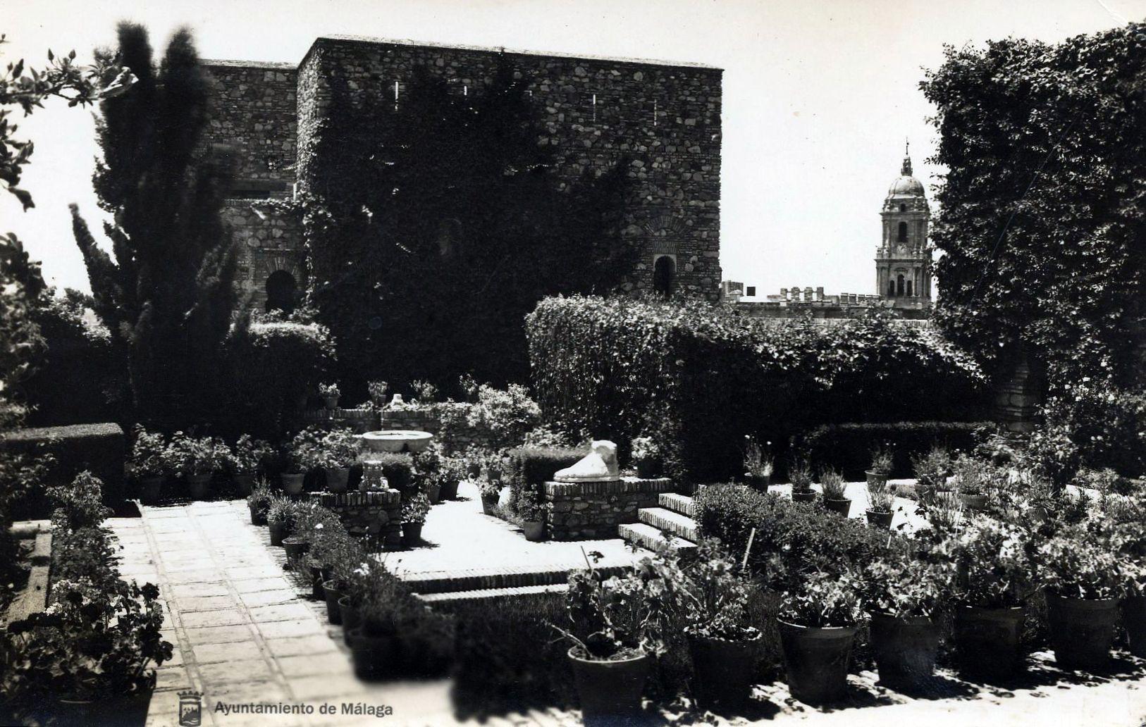 Vista de la Alcazaba de Málaga con la Catedral al fondo. Fotografía: Archivo Municipal de Málaga #AlcazabadeMalaga 2