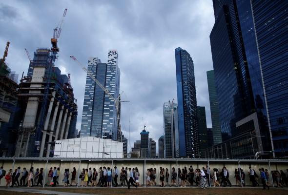 COVID-19: Singapura tingkat peraturan notis duduk rumah, pelawat wajib pakai alat pemantauan elektronik #AWANInews #HapusCOVID19 astroawani.com/berita-dunia/c…