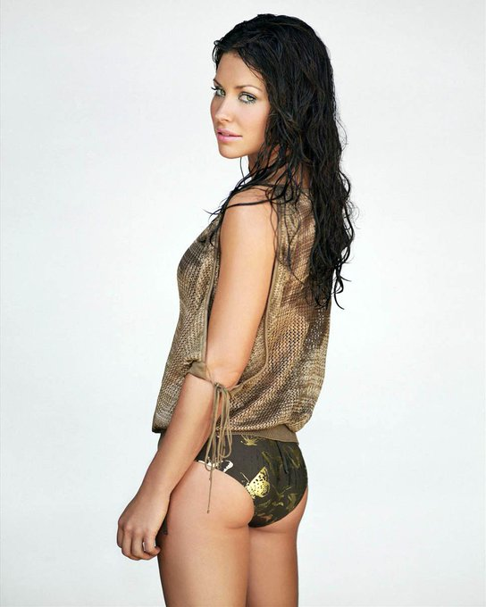 Happy birthday to Evangeline Lilly\s arse