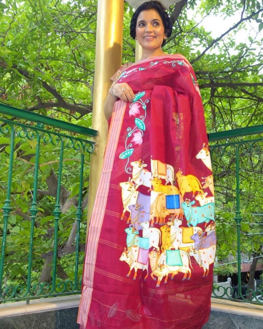 Haind painted cotton Pichwai saree. To view more pictures visit our blog. http://www.kiransawhney.com/2020/08/hand-painted-cotton-pichwai-saree.html… For more details, Contact: 919810530027 #pichwaisaree #handpainted #cottonpichwaisaree #cottonsaree #pichwai #saree #ethnic #fashionblogger #fashion #handloom #lockdownsalepic.twitter.com/bHVMU3hDqS