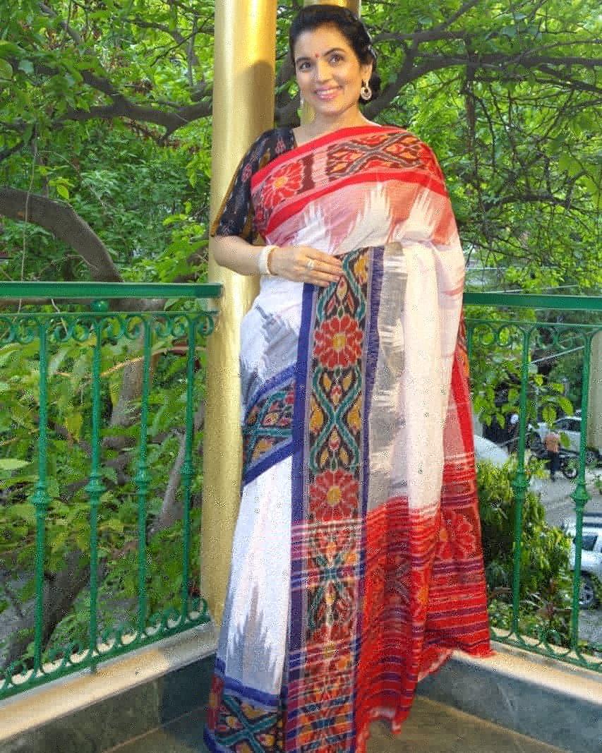 Introducing you to Odisha Cotton Saree with Ganga Jamuna border. To view more pictures visit our blog. http://www.kiransawhney.com/2020/08/odisha-cotton-saree-with-ganga-jamuna.html… For more details, Contact: 919810530027 #odishasaree #odishacottonsaree #cottonsaree #saree #rakhi2020 #rakhicelebration #ethnicwearpic.twitter.com/Y9y3BHsglH