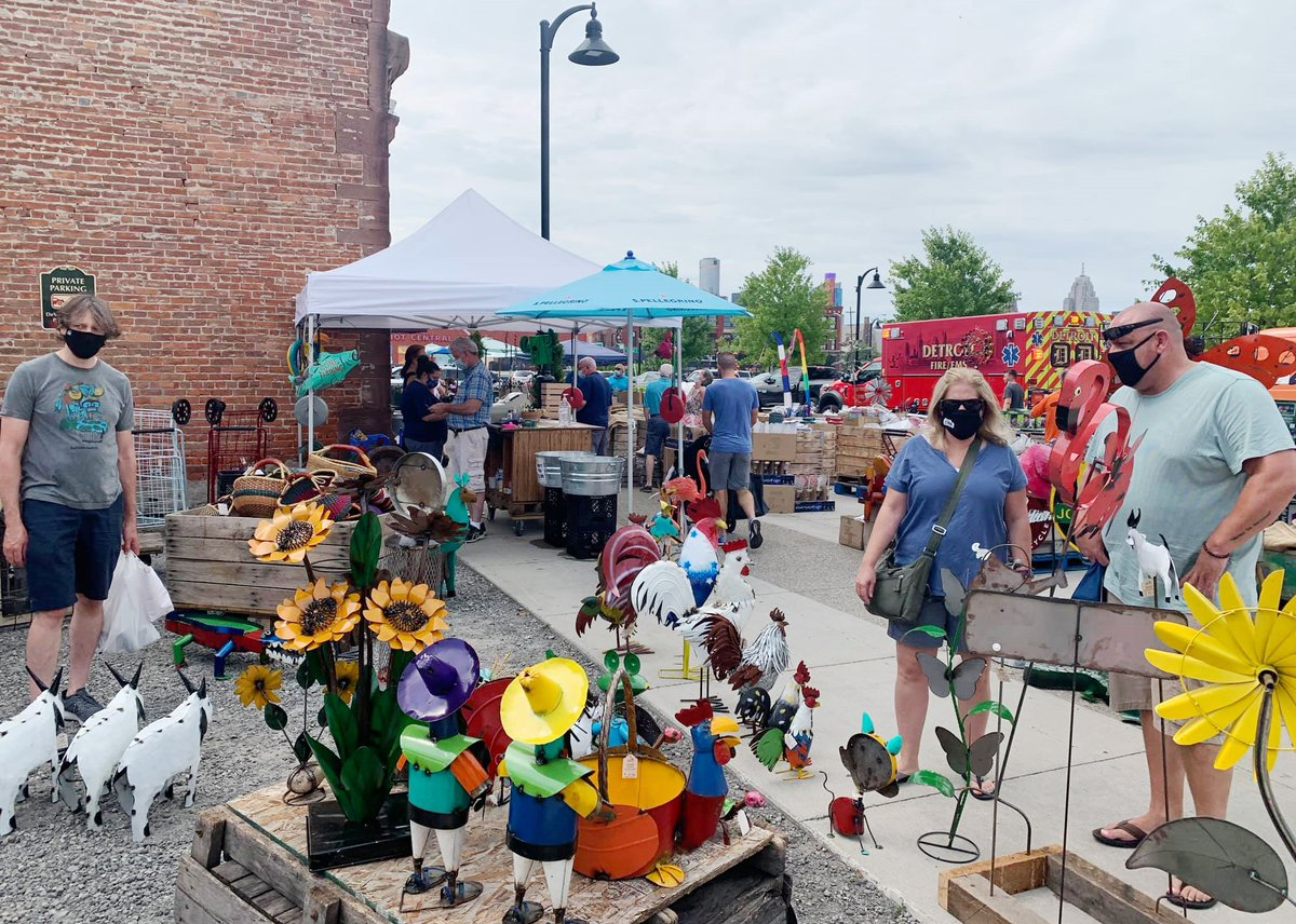 "#DetroitLooksLikeThis at @EasternMarket on Saturday  ""What an incredible asset for the Detroit region! Urban markets are incredibly important for cities,"" @MarkNickita posts with his photos 