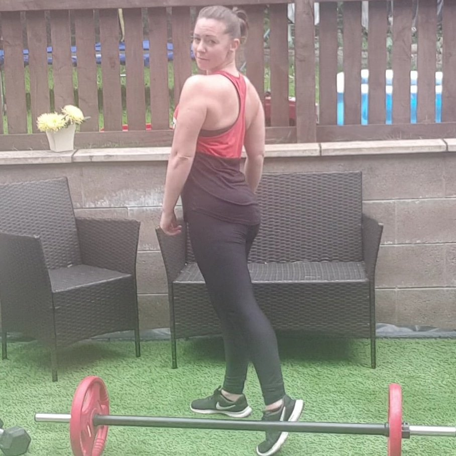 Getting my little sporty on 90s style no limits #girlgains #consistency #backandbiceps #strongnotskinny #progressnotperfection #gettingthere aiming for shoulders & biceps like @MelanieCmusic #whoiam #selflovepic.twitter.com/vKBx8P4WDj