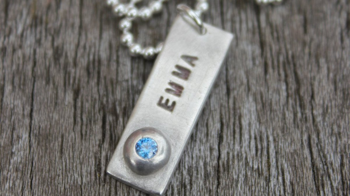 Finished a name tag pendant today. My name on it but this beauty is sadly not for me. These make gorgeous personalised gifts etsy.com/uk/listing/744…