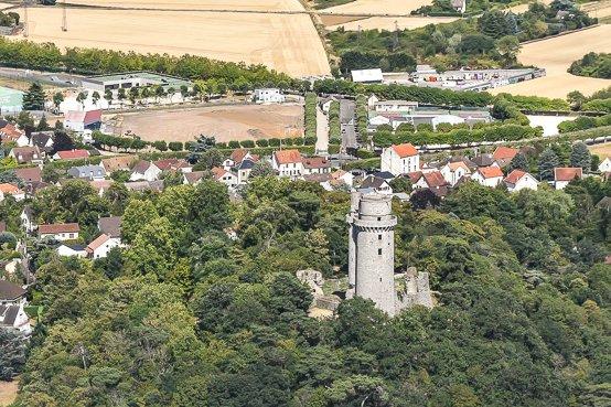 Survol de Montlhéry #aerialphotography #montlhery #tour #helicoptere #photoaeriennepic.twitter.com/JfLVZYOEDO