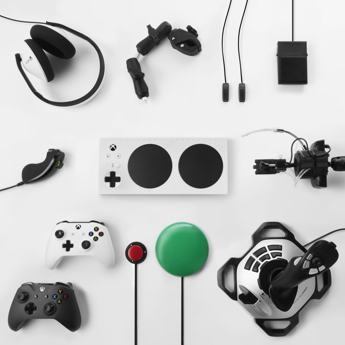 """Xbox UK on Twitter: """"ICYMI: Xbox Series X is backwards compatible with ALL Xbox  One controllers across ALL games 🎮 Official Xbox Controllers ✨ Xbox  Adaptive Controller 💪 Xbox Elite Wireless Controllers"""