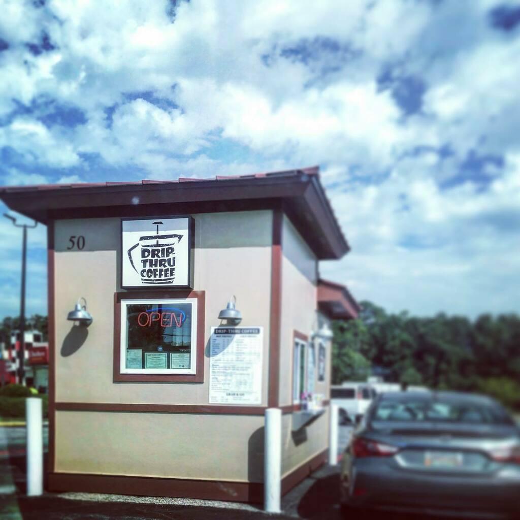 Hello, Monday!  Serving 8a-1p#tinycoffeeshop #drivethru #specialtycoffee https://instagr.am/p/CDbk2WGH9Xl/pic.twitter.com/YPhVzuNhWg