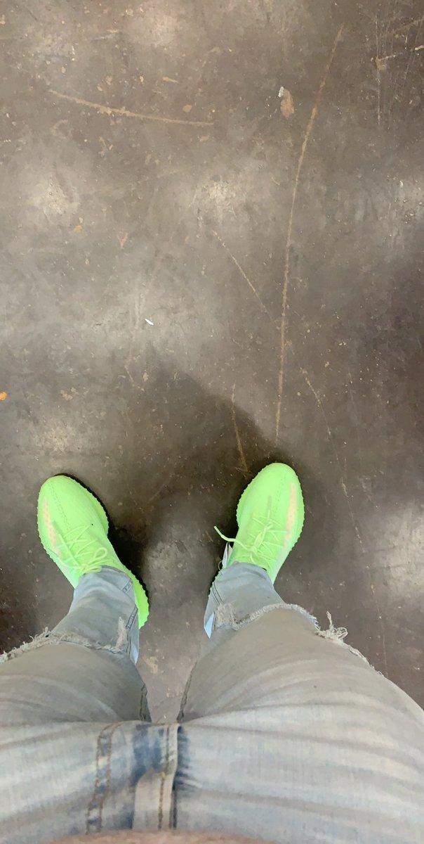 twitter.com/kicks0l0gy/sta…