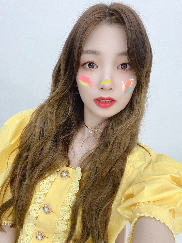 같은 옷 다른느낌. 로켓펀치 연희 & 아이즈원 김민주