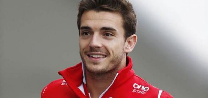 Hoy estaría cumpliendo 31 años Jules Bianchi, el último piloto en fallecer debido a las consecuencias de un accidente en carrera.  ¡Te echamos de menos, Jules! Feliz cumpleaños donde quiera que estés  #formula1 #F12020 #Ferrari #marussia #F1xFOX https://t.co/W4PMV9dM8z