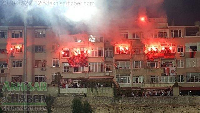 Karagümrük (Turkey) support their team despite restrictions in an important play off game