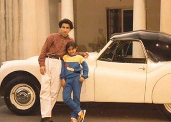 #SohaAliKhan posts old pic with #SaifAliKhan, netizens think it's #SaraAliKhan and #IbrahimAliKhan  http://owl.li/32IL30r2pmIpic.twitter.com/8bCYu2PWjE