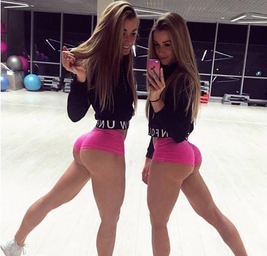 Squat Twins . . . . . #girls  #90sbabes  #tumblrgirl  #bath  #nsfw  #dankafterdark  #ahegao  #girl #bööty https://instagr.am/p/CDbs81ZANEf/pic.twitter.com/bTbAXBHF9x