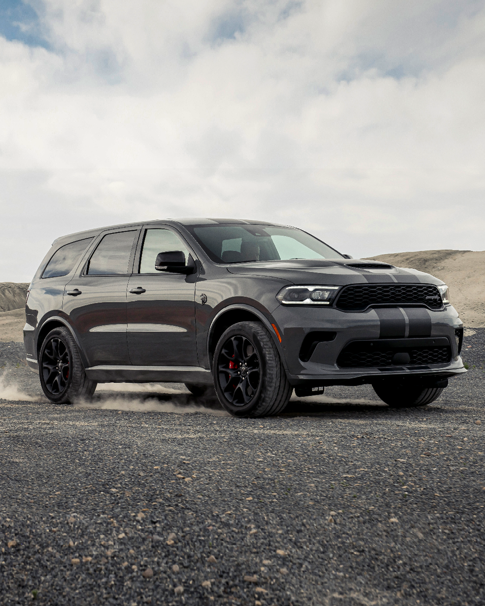 Four doors, all go. Meet our fastest SUV ever, the 2021 Durango Hellcat. #DodgeDurango #DodgeHellcat  Available early 2021.  https://t.co/Rd4PHwzF4Z