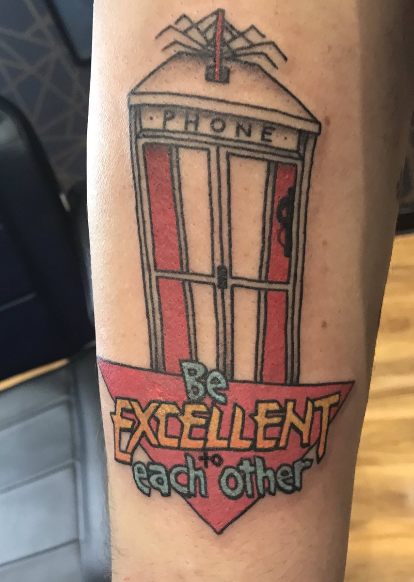 I got my most awesome Bill and Ted tattoo today!! Party on dudes!! #BillAndTed pic.twitter.com/QFgQ4m56XZ