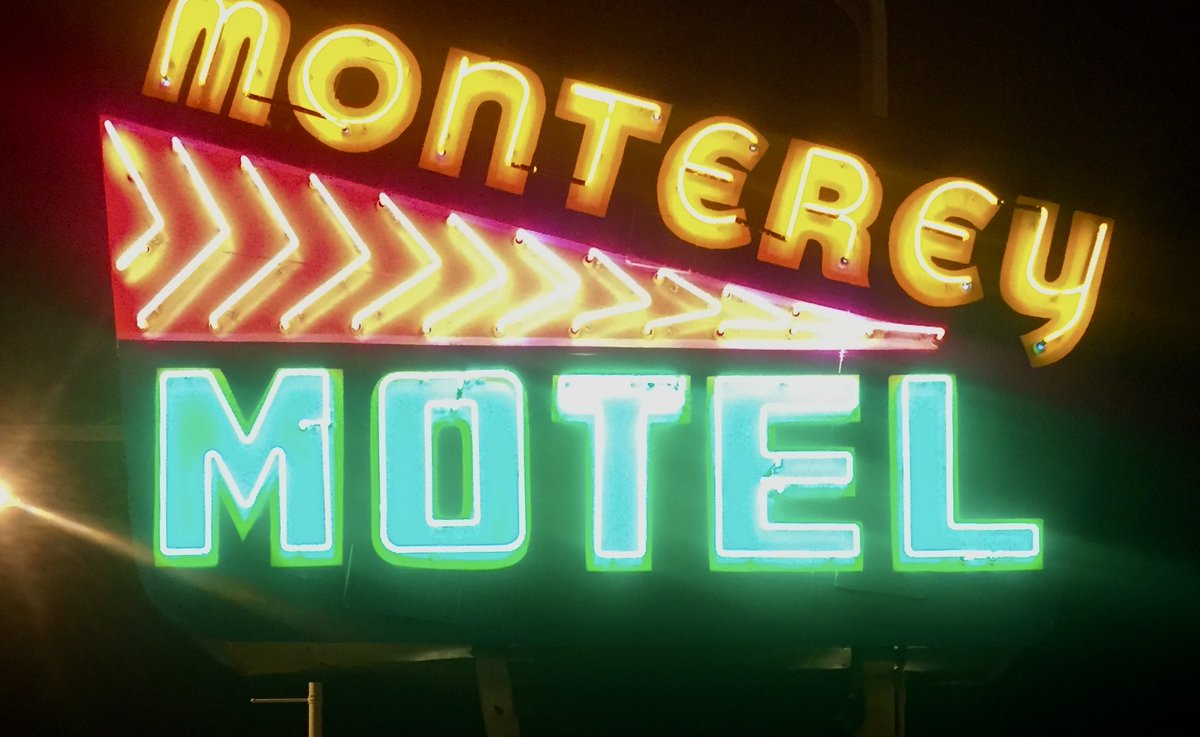 A Portland, Ore.-based developer plans to open the renovated Monterey Motel next month on #Route66 in Albuquerque, according to Downtown Albuquerque News & Route 66 News. The motel is nearly 75 years old. The same developer did a thorough renovation of the nearby El Vado Motel. pic.twitter.com/XjFZMosT0t