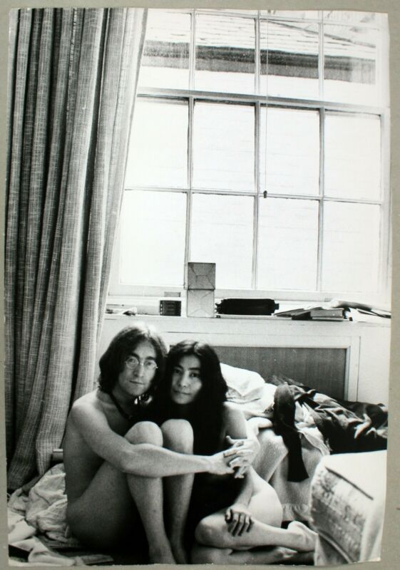 #L111 Large Press Photo-John Lennon Yoko Ono Naked-Two Virgins-1968-ESTQ rover.ebay.com/rover/1/711-53… #JohnLennon