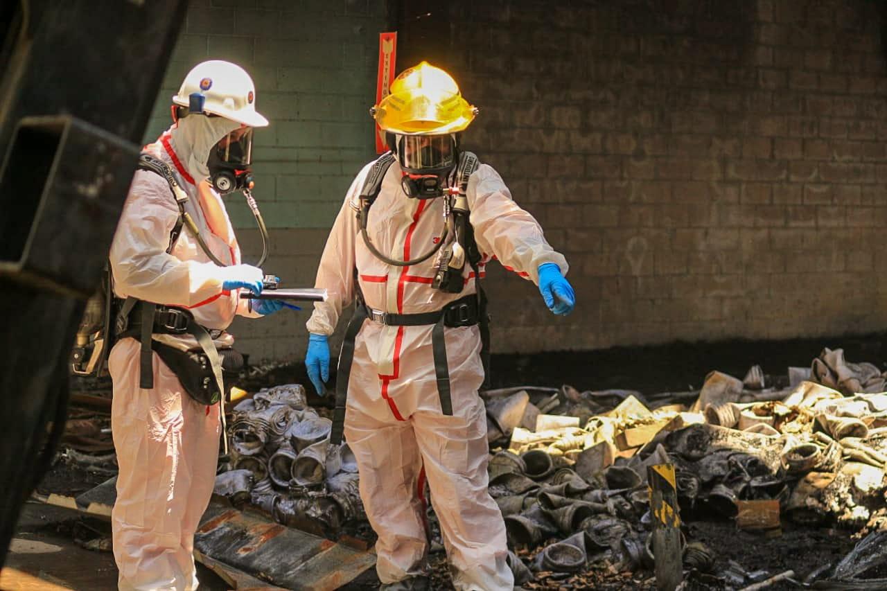 PNC sospecha mano criminal en incendio de fábrica Récord
