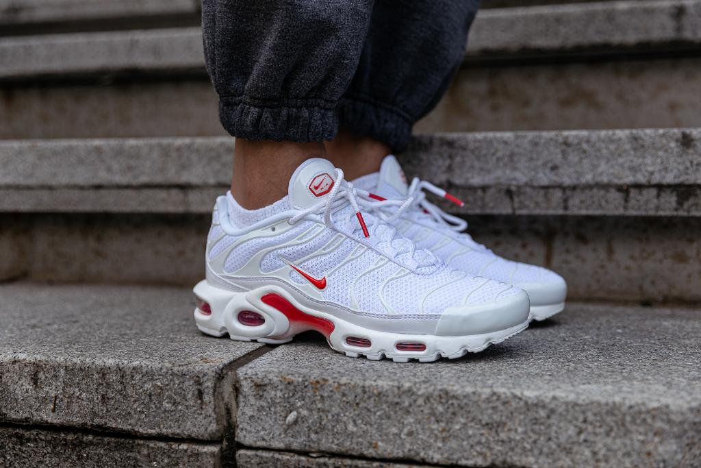 Nike Air Max Plus 'White/Track Red