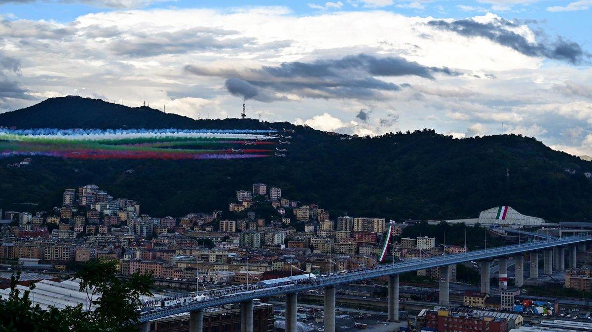 Gênes : deux ans après l'effondrement meurtrier, le nouveau pont a été inauguré  https://t.co/eesyH8kDN2 https://t.co/aUPoujIyn8