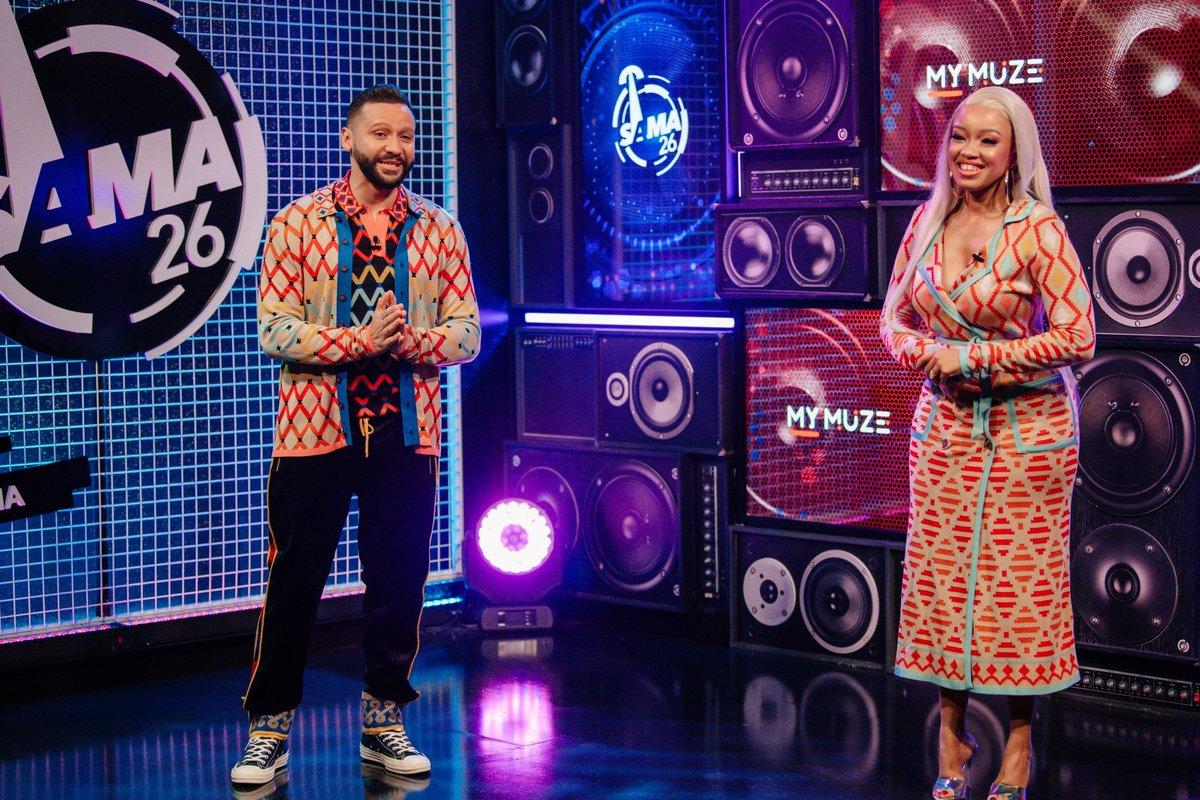 Dineo & Donovan look amazing wearing @MaXhosaAfrica   #SAMA26 https://t.co/44XfGZPs33