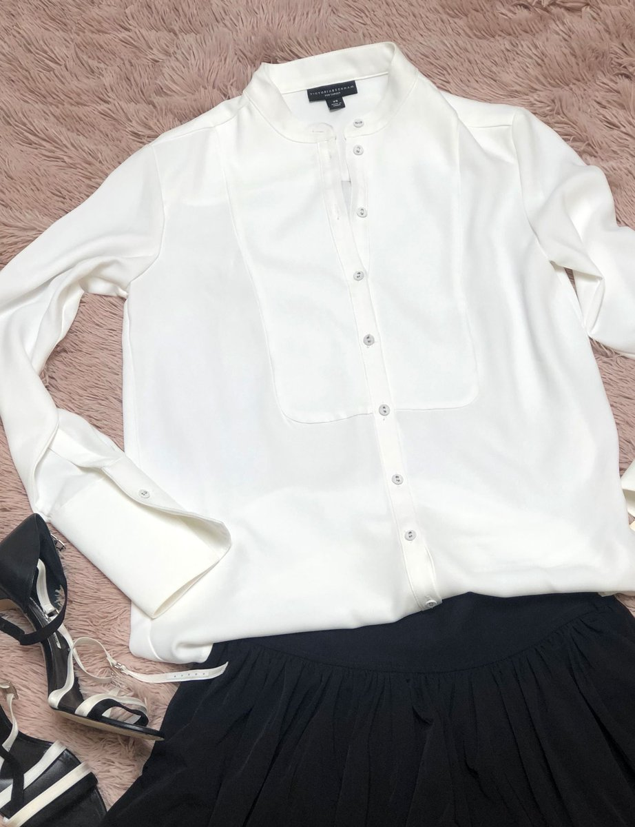 Congratulate us! We made our first Etsy sale!    Many thanks to Buyer #1 in New York for her purchase of our Victoria Beckham for Target blouse! She's got impeccable taste!  #ecofriendly #vintage #upscaleresale #resaleshop #shopmycloset #resaleboutiquepic.twitter.com/MWgYgVQjE3