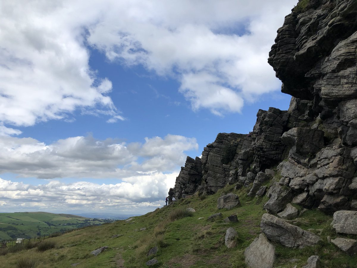 An amazing day out easing a good friend back on the rock. 7 classic windgather lines climbed - we think that's more than his total for the last 5 years! #tradisrad #climbing_is_my_passion #rockclimbinginstructor https://t.co/nX83xZ4Bal