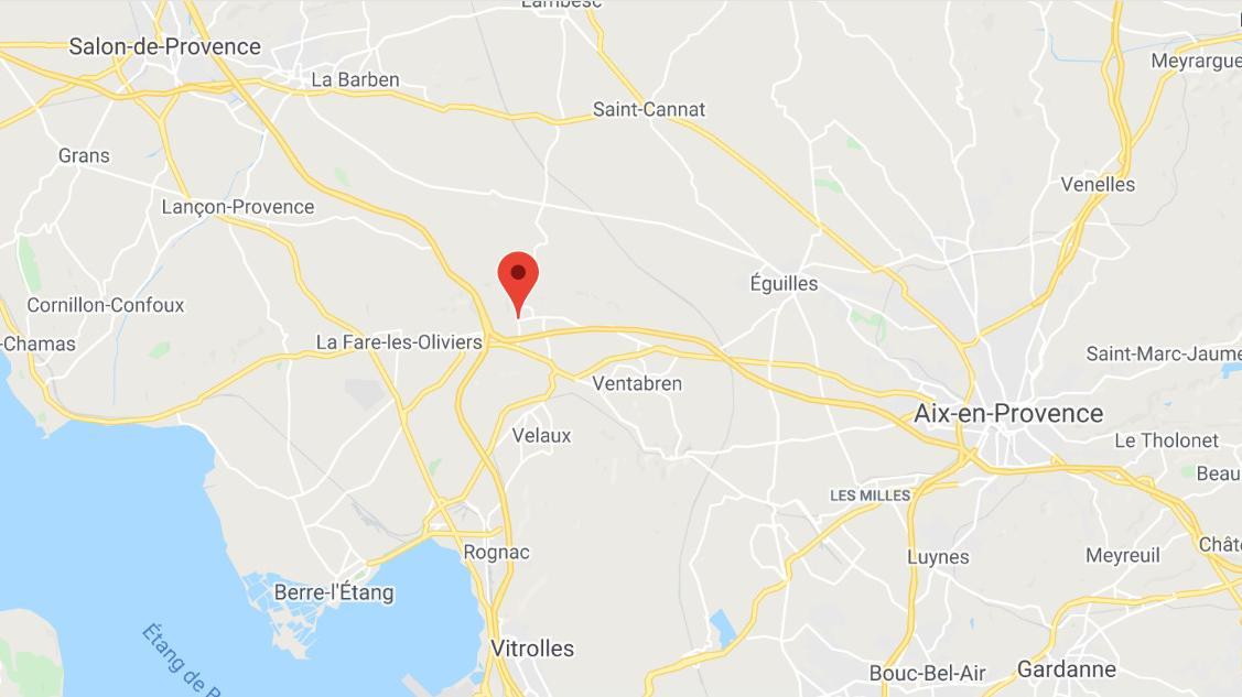 Bouches-du-Rhône : 15 hectares de broussailles détruits par un incendie dans les collines de Coudoux  https://t.co/sU6kUVD59L https://t.co/d4ihXULars