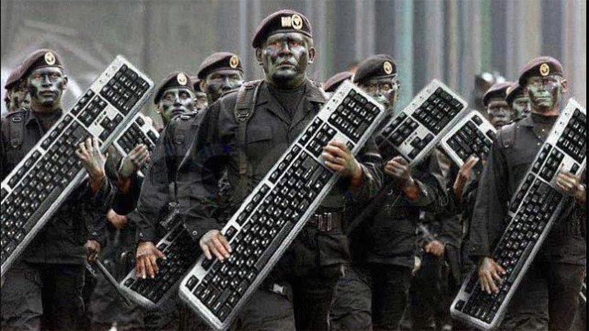 Keep tweeting and retweeting about #ZimbabweanLivesMatter Kudos keyboard warriors, I'm proud 🇿🇼 👏🏿❤️ https://t.co/NmyRaunA6x