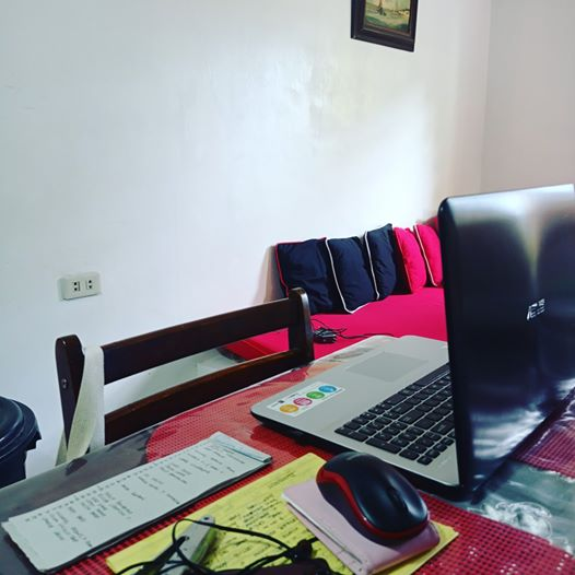 My small office At home. Everyday Is a blessing. Ready to finish the tasks today. here's some tips on how to set-up your own office at home,;) here's the link: https://youtu.be/V7iVkiw-k4k  #virtualservices #virtualassistant #workfromhomepic.twitter.com/ndMFzAuXea