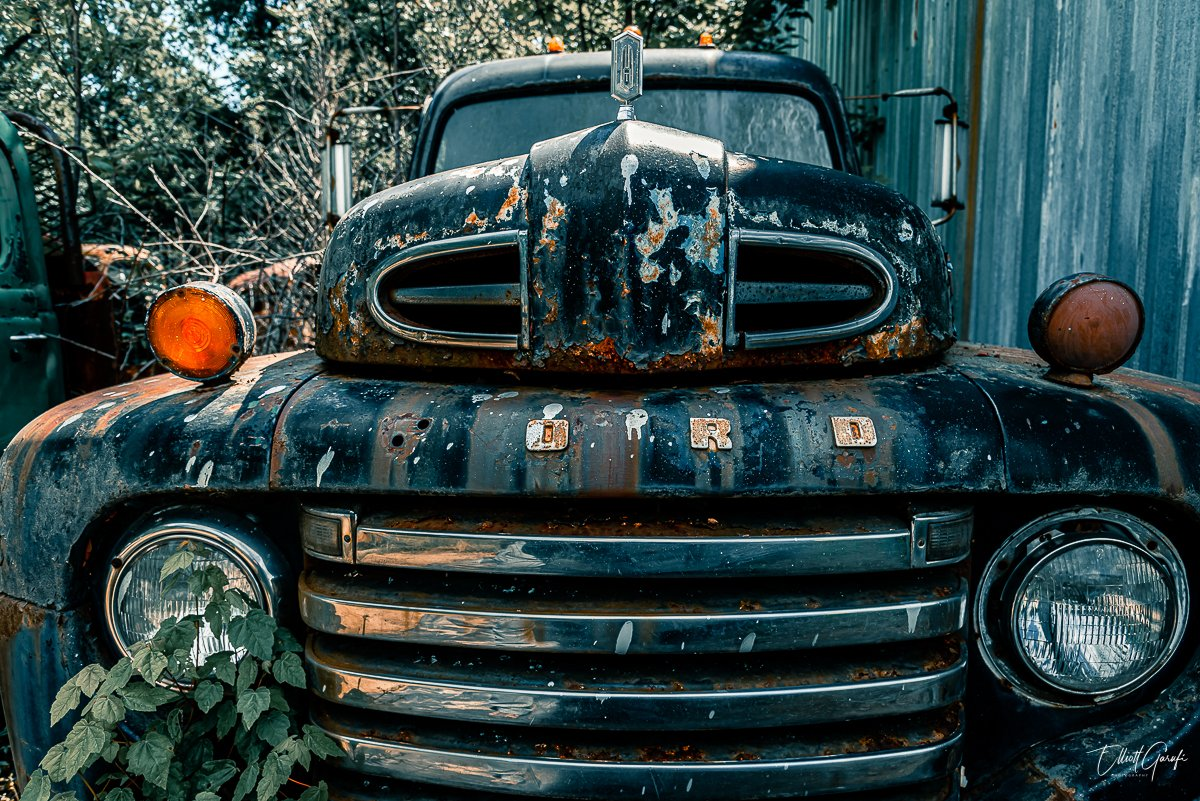 """""""Another set from the truck graveyard in Croaker, VA (my 2nd trip to this site) - shot in May, 2020 in a suitably socially-distant fashion (although I did get within breathing distance of some of the trucks)...   #urbanexploring #abandoned #abandonedplaces pic.twitter.com/kxsPFWdtgf"""