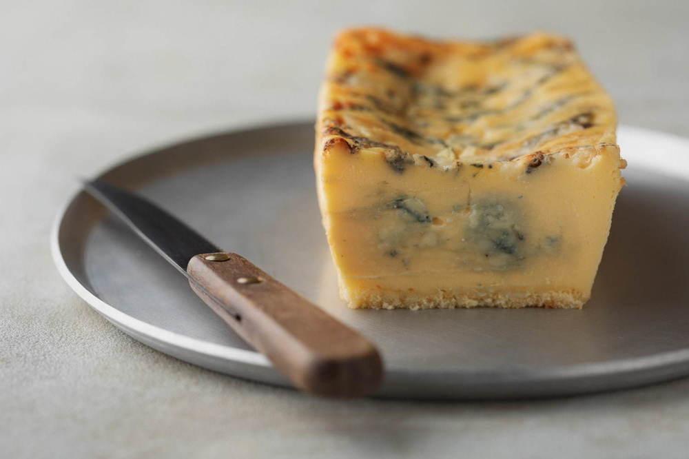 生ブルーチーズケーキ専門店「青」ルミネエスト新宿に限定出店、熟成ゴルゴンゾーラの濃厚な味わい -