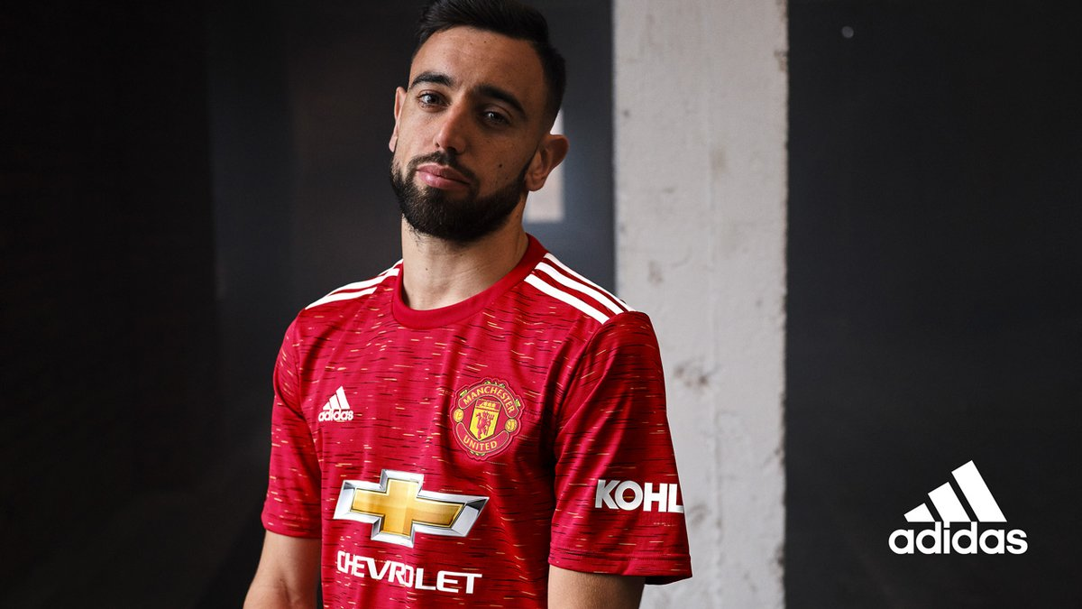 Our new @adidasfootball home shirt in 𝙖𝙡𝙡 𝙞𝙩𝙨 𝙜𝙡𝙤𝙧𝙮 ❤️  Available now: https://t.co/k90iAkt4zU  #MUFC x #ReadyForSport https://t.co/NtDrTx0Kw6