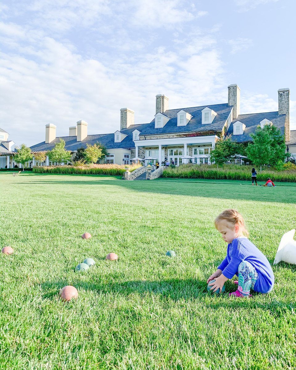 There is still time to soak up the last bit of #summer fun. #TravelTuesday  (IG: _the_new_mrs_martin_) #summertravel #LoveLoudoun #middleburgva #familytravel https://t.co/8kzfDgHUYn