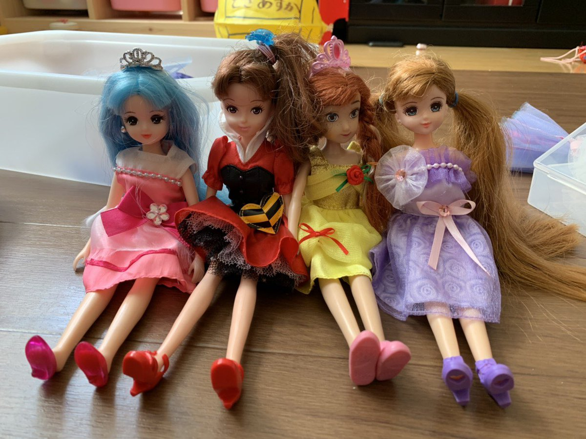 RT @takuyatosa1: 娘がリカちゃん人形でももクロ作ったらしい!あーりんの髪の毛が青い!! #ももクロしか勝たん...