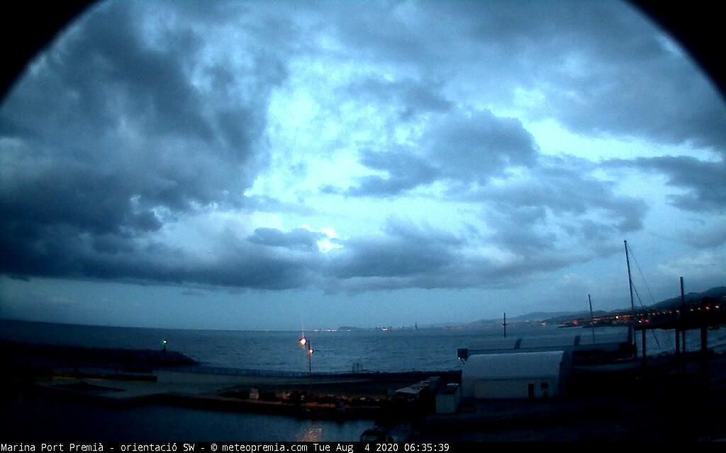 Bon dia a #PremiàdeMar 6.15 #meteo Temperatura: 24.4 °C Humitat: 73 % Pressió: 1013.6 hPa Pluja: 0.0 mm Vent: 2.2 km/h O Ràfega: 6.5 km/hpic.twitter.com/1QG1V27iEm