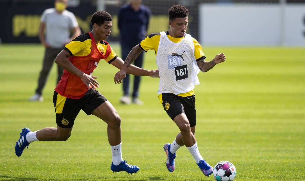 Man Utd race against clock to seal Jadon Sancho transfer despite contract as deadline set express.co.uk/sport/football…