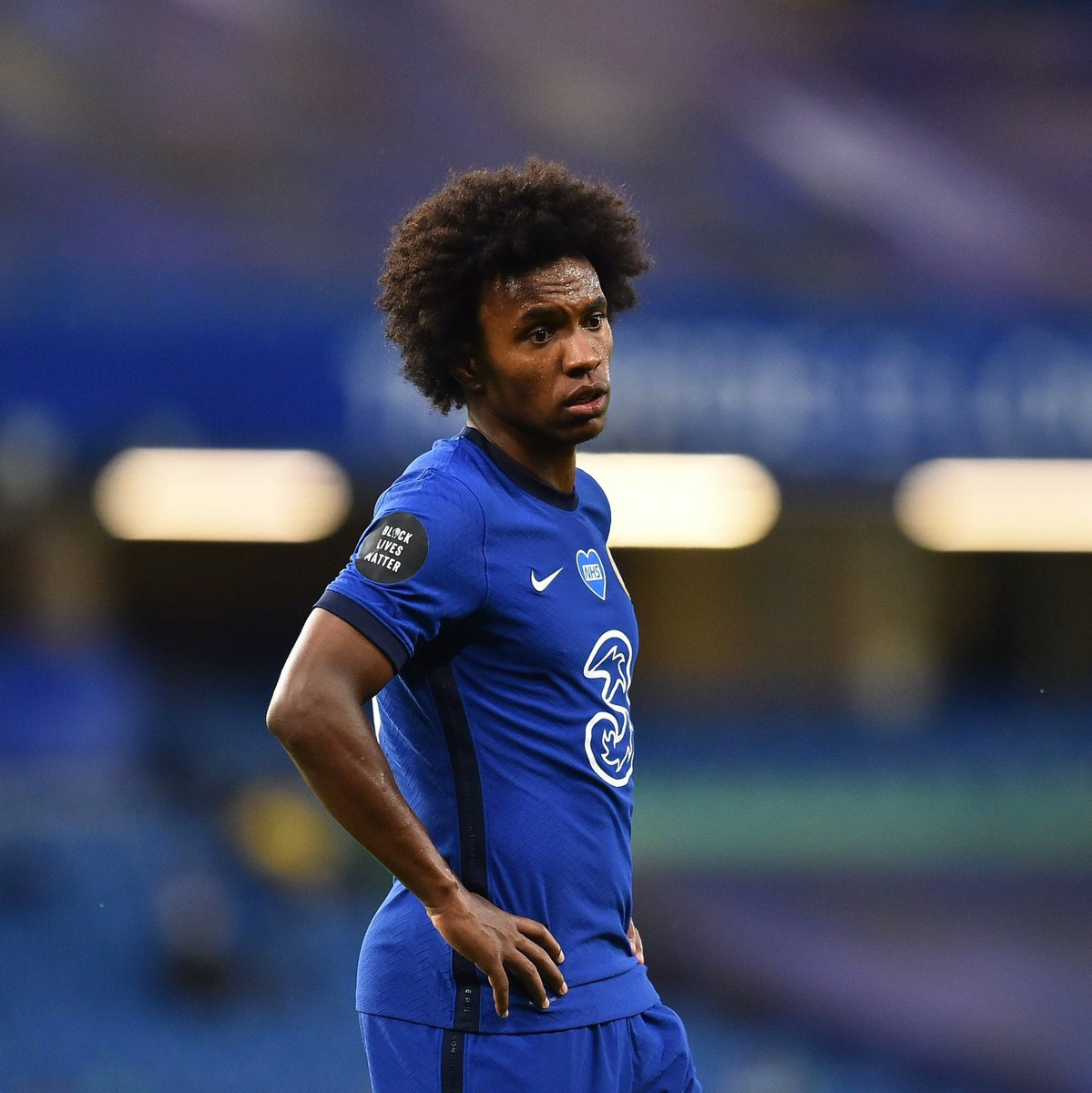 #SportsBang w/ @corpertee x @BlessingFowowe  Multiple reports say Winger Willian has rejected a 2 year deal with Chelsea and  has held talks over a free transfer to Arsenal.  Which player(s) do you want out of your club?  We are live at 7:30am #TuneIn https://t.co/FNZBVQWBqa