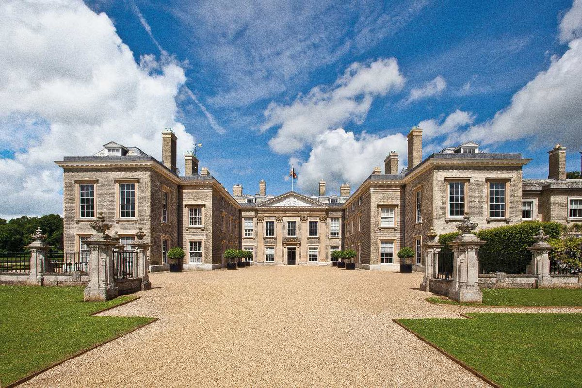 Just an hour or so from London, #Northamptonshire has a lush rolling landscape and more stately homes than any other region in England. Check out some of our favourite places to visit ➡️ ttmag.net/31fChkZ